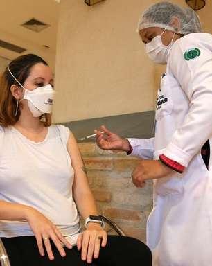 Brasil tem 25,43% da população vacinada com a 1ª dose