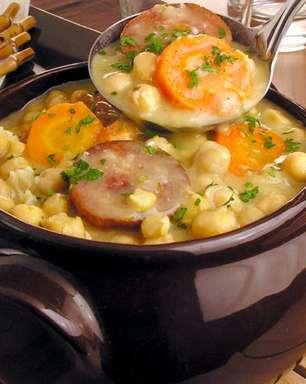 Sopa de grão-de-bico colorida para aquecer os dias frios