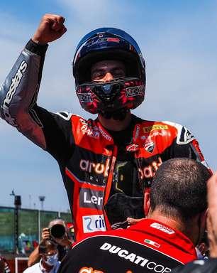 Rinaldi bate Rea em Misano e garante primeira vitória na Superbike em 2021