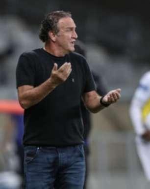 Cuca diz que o Galo fez um jogo sem sustos contra o São Paulo e elogia Jair