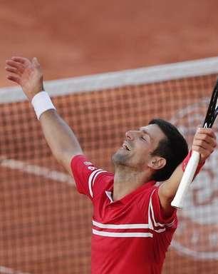 Djokovic vira sobre Tsitsipas e é campeão de Roland Garros