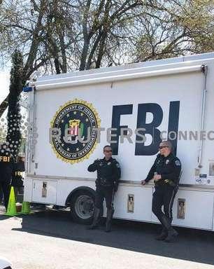 """FBI alerta que seguidores da QAnon podem engajar em """"violência no mundo real"""""""