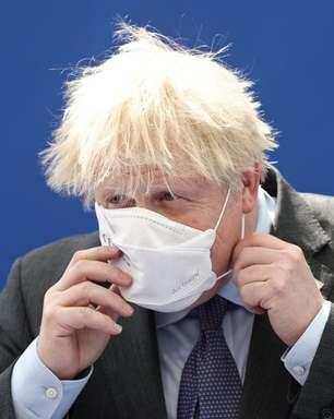 Boris Johnson deve anunciar adiamento de fim das restrições