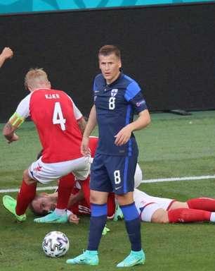 Ex-goleiro da Dinamarca acredita em ameaça da Uefa contra seleção caso atletas não voltassem ao jogo após mal súbito de Eriksen