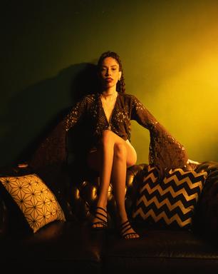 Indy Naíse canta o afeto em EP assinado por Rincon Sapiência