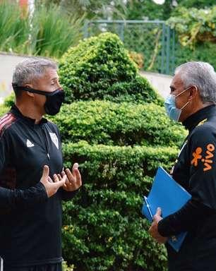 """Crespo revela papo com Tite sobre disputa da Copa América: """"Manifestou sua irritação"""""""