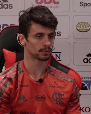 """FLAMENGO: Rodrigo Caio destaca sequência da equipe de quatro jogos sem tomar gol e exalta força coletiva dentro de campo: """"É um time solidário e que se ajuda"""""""