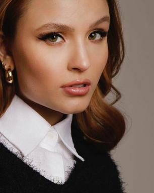 Larissa Manoela ensina 7 truques fashion para camisa branca