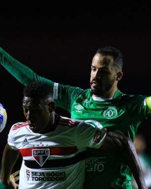 Com um a menos, São Paulo empata com a Chapecoense e segue sem vencer no Campeonato Brasileiro