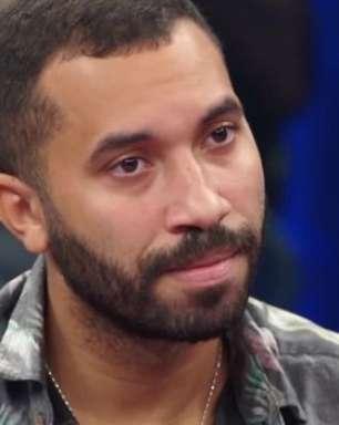 """Gil do Vigor revela que tentou a """"cura gay"""" e teve até aula"""