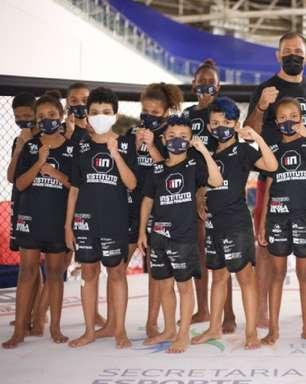 """Projeto """"Luta: Escola da Vida"""", parceria entre a Secretaria Municipal de Esportes e o Instituto Irmãos Nogueira, recebeu, nesta terça-feira, a visita de Rogério Minotouro"""