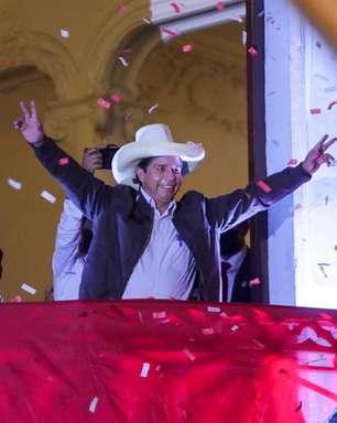 """""""Não somos comunistas"""", diz Castillo tentando acalmar temor"""