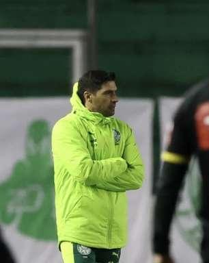 Jornalista diz que Palmeiras 'sofreu' para vencer Juventude e sugere apoio psicológico a Abel: 'Está muito tenso'