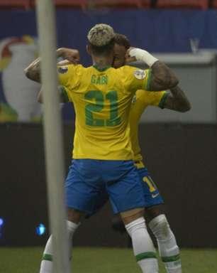 Torcedores do Flamengo perdem a paciência com Tite após Gabigol ser substituído na Copa América