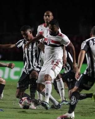 Em busca de sua primeira vitória no Campeonato Brasileiro, São Paulo enfrenta o Santos na Vila Belmiro