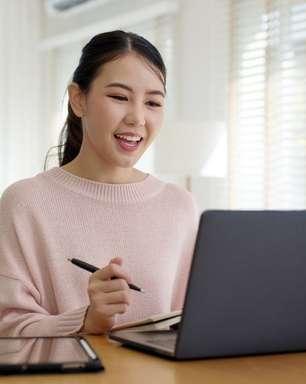 Headhunter dá dicas de estilo para a entrevista de emprego virtual