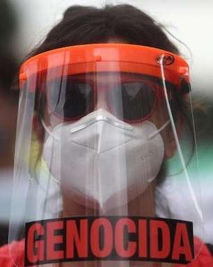 'Marco sombrio' de 500 mil mortes e 'protestos contra o presidente': a tragédia brasileira na imprensa internacional