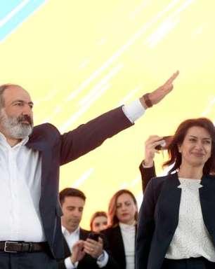 Premiê vence legislativas na Armênia e rival denuncia fraude