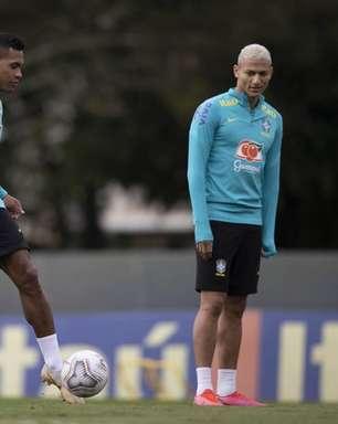 Após folga no domingo, Seleção Brasileira volta ao treinos de olho no confronto contra a Colômbia