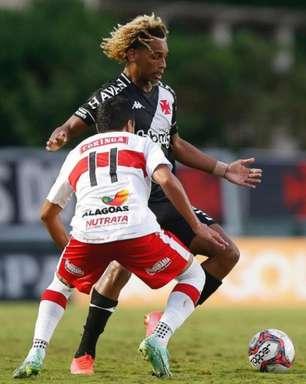 Após voltar de lesão, MT tem boa atuação no meio-campo e mostra credenciais para ser titular no Vasco