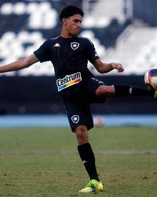 Internacional observa e tem interesse em Paulo Victor, do Botafogo