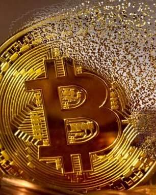 Bitcoin despenca para menos de US$ 30 mil pela primeira vez desde janeiro