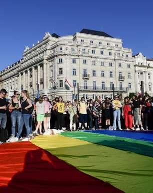 13 países da UE questionam Hungria por lei contra homossexuais