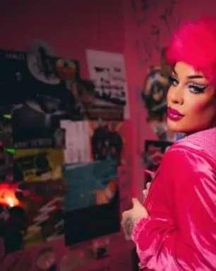 Gloria Groove lança nova música, 'Bonekinha'