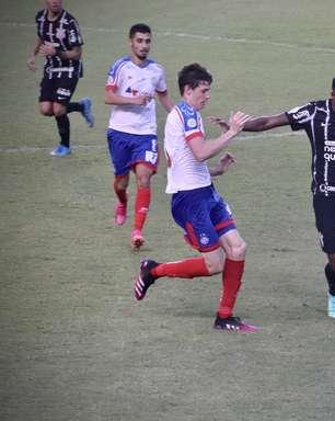 Chuteira verde de Jô e 'Palmeiras na noite' agitam o futebol