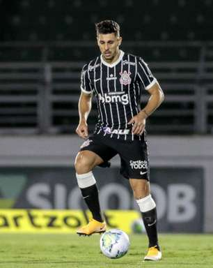 Coletivo 'Fiel LGBT' repudia Avelar por declaração e faz pressão por rescisão do jogador com Corinthians