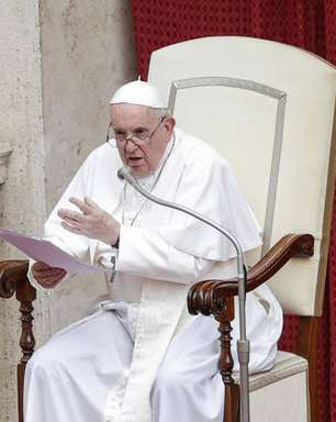 Papa Francisco reagiu bem à cirurgia, segundo Vaticano