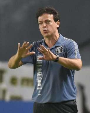 Diniz elogia setor ofensivo do Santos, mas alerta para erros na defesa