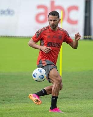 Com bons números, Thiago Maia tem sido preparado até para atuar no ataque, mas precisará de paciência