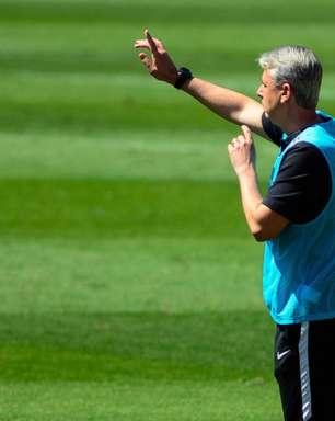 Proposta de acordo feita por Tiago Nunes em processo milionário é negada pelo Athletico