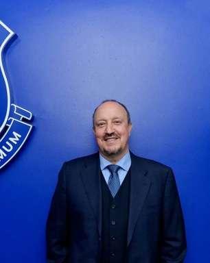 Everton anuncia a contratação do técnico Rafa Benítez, ex-treinador do rival Liverpool