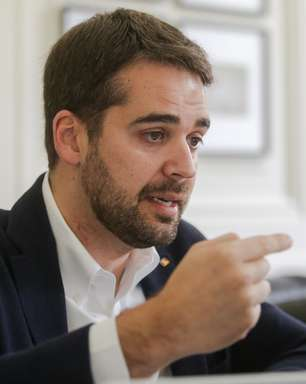 Eduardo Leite revela se arrepender de voto em Bolsonaro