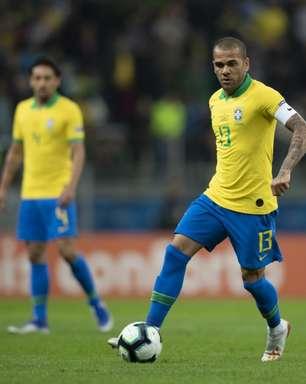 Daniel Alves promete fazer de tudo para disputar Copa