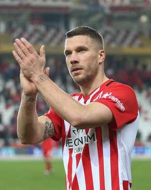 Podolski no Fortaleza: o que se sabe sobre a negociação com o alemão
