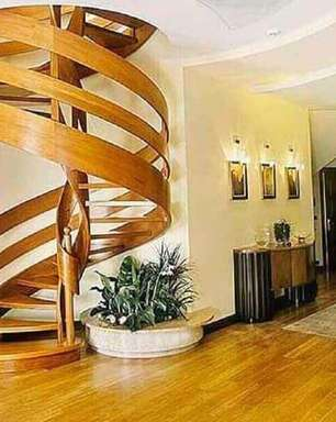 Escada Espiral: Conheça Todas as Vantagens +60 Modelos