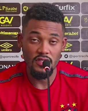 """SPORT: Sabino vê time pecando na concentração durante os jogos e analisa partida diante do Atlético-GO: """"será mais difícil do que contra o Palmeiras"""""""