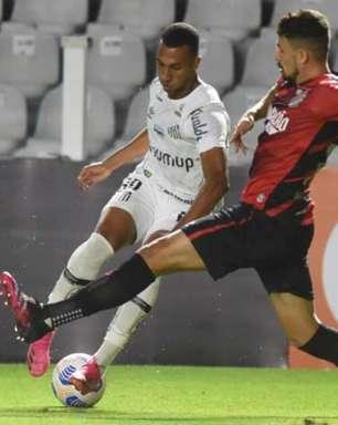 Thiago Heleno minimiza alterações táticas para justificar revés do Athletico