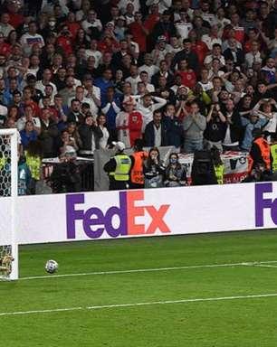 Último pênalti perdido pela Inglaterra na Eurocopa para Itália foi o primeiro de Saka como profissional
