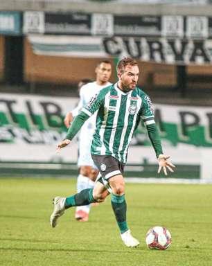 Willian Farias quer ritmo forte do Coritiba para as próximas rodadas do Brasileirão Série B