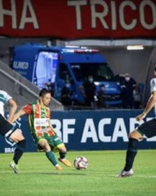 Em jogo pegado, Coritiba vence Sampaio Corrêa
