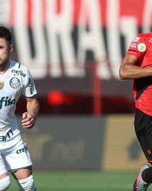 Palmeiras vence fora de casa e se isola na liderança