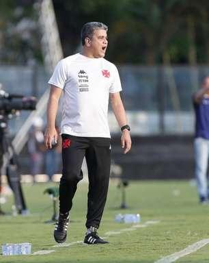 Vasco anuncia a demissão do treinador Marcelo Cabo