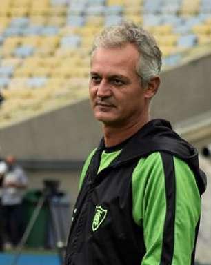 Projeto Lisca: Vasco tem ex-treinador do América-MG como plano A para substituir Marcelo Cabo