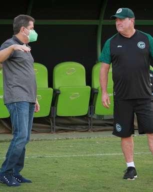 Goiás demite técnico Pintado