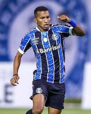 Fluminense avalia contratação do atacante Léo Chú, do Grêmio