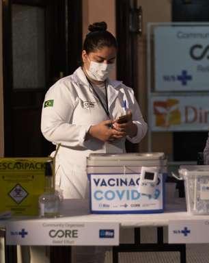 Rio interrompe aplicação de 1ª dose por falta de vacinas
